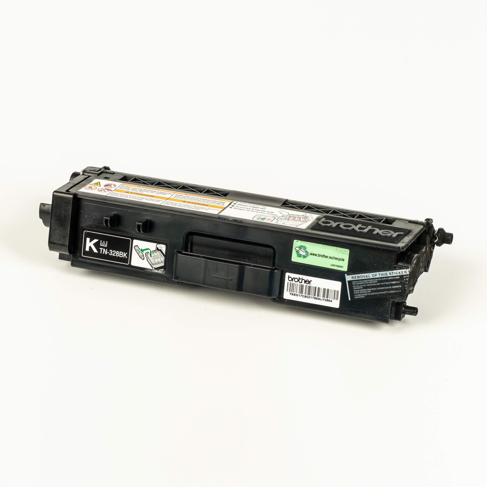 Auf dem Bild sehen Sie eine Brother Original Super-Jumbo-Tonerkassette TN-328BK schwarz