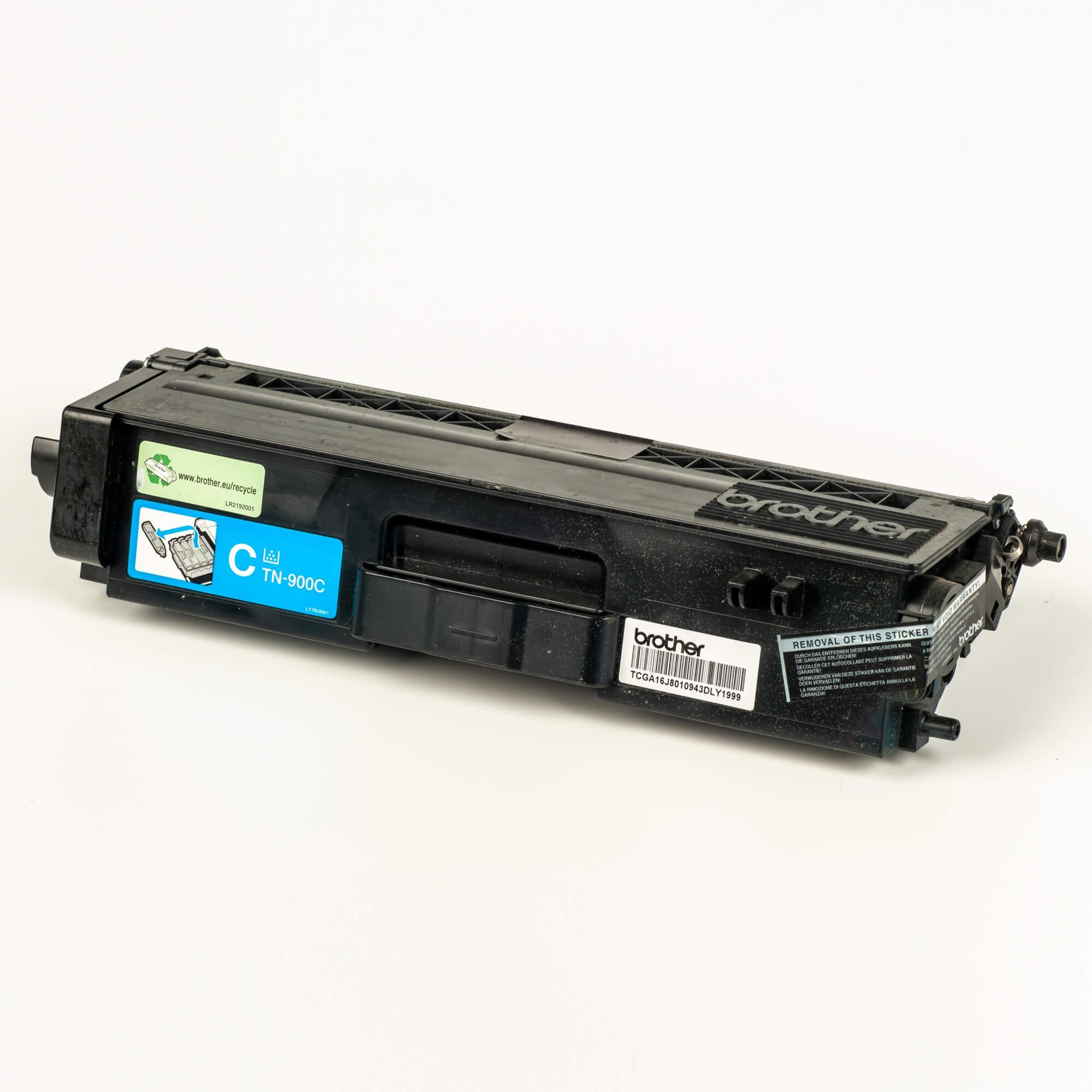 Auf dem Bild sehen Sie eine Brother Original Super-Jumbo-Tonerkassette TN-900C blau