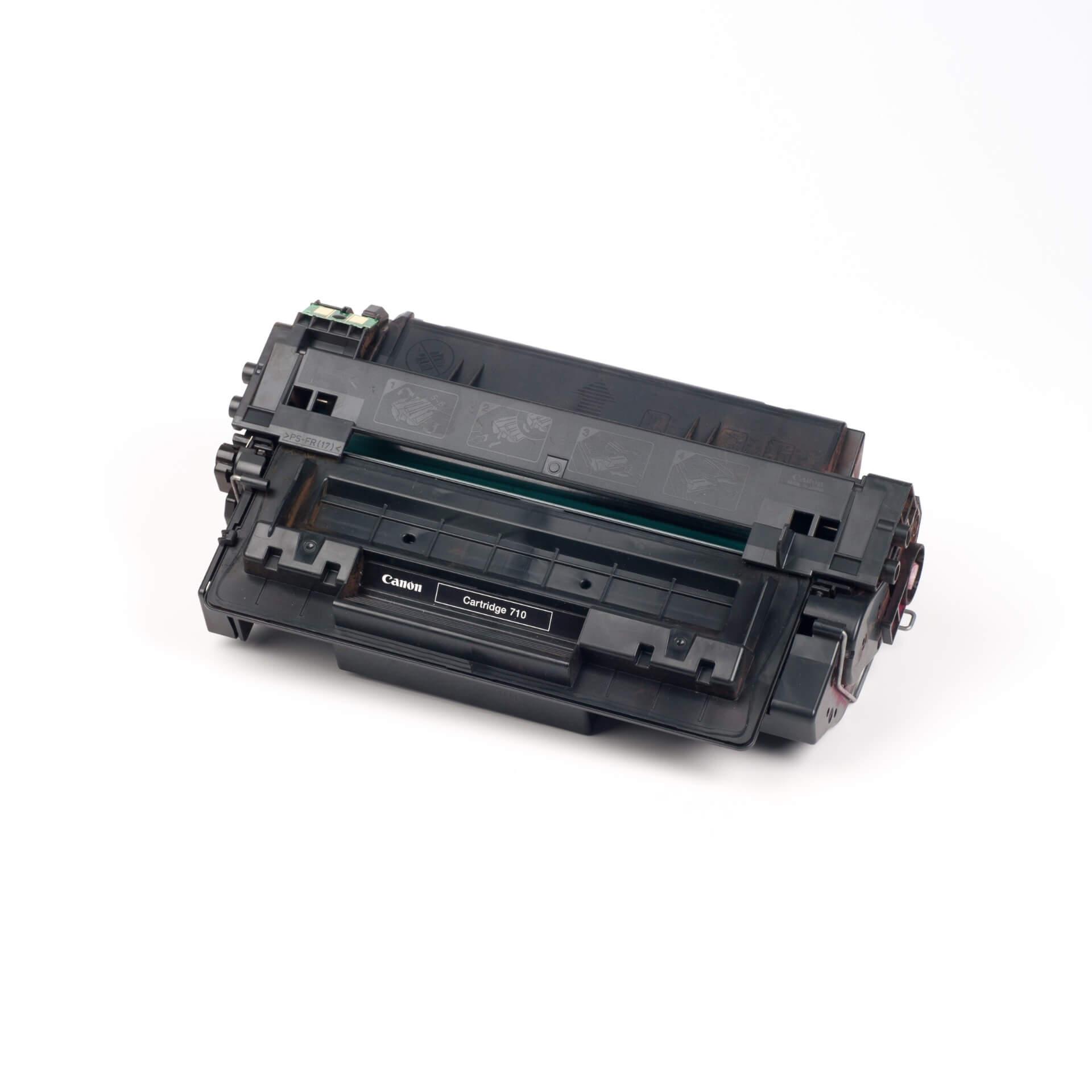 Auf dem Bild sehen Sie eine Canon 0985B001 710 Original Tonerkartusche Schwarz