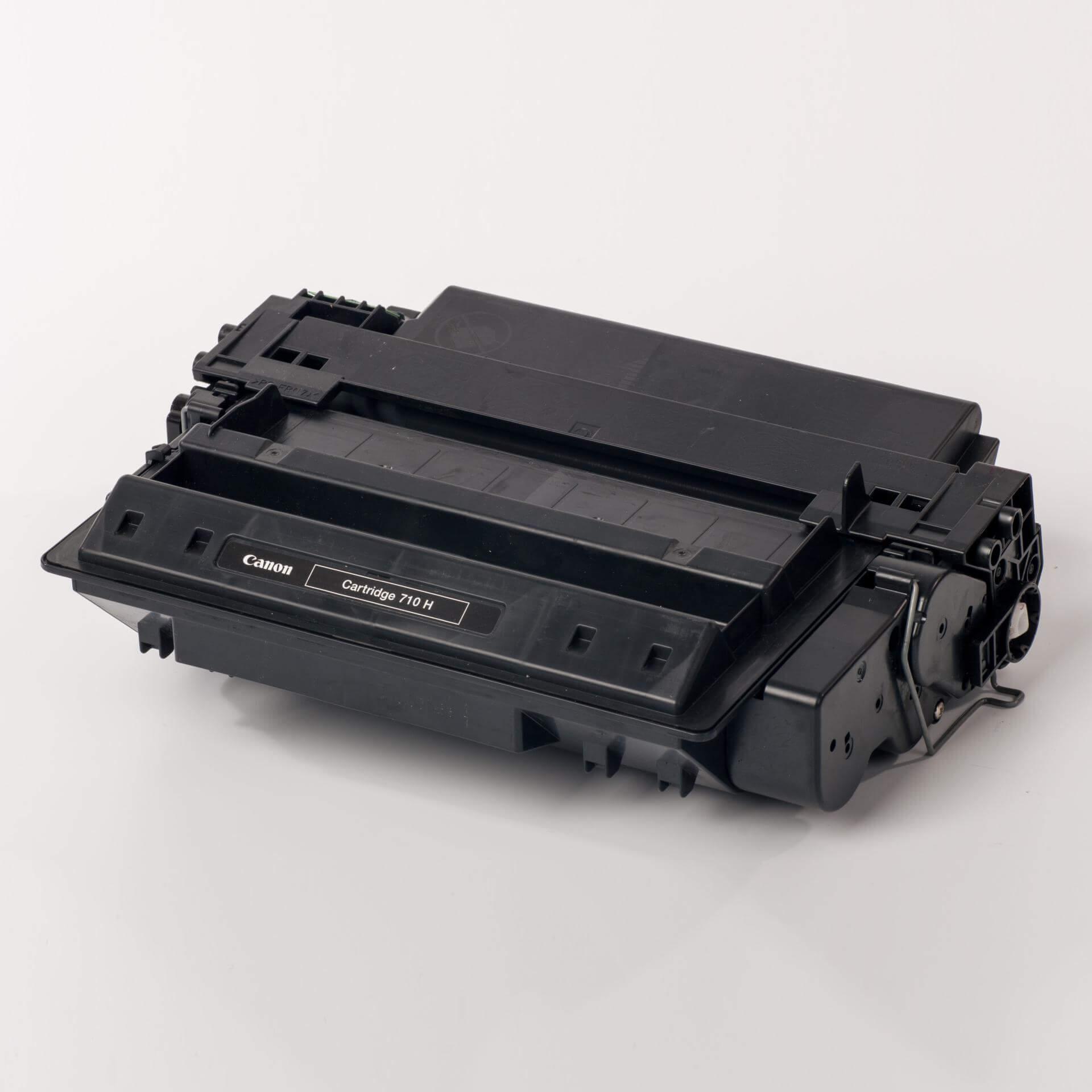 Auf dem Bild sehen Sie eine Canon 0986B001 710H Original Tonerkartusche schwarz