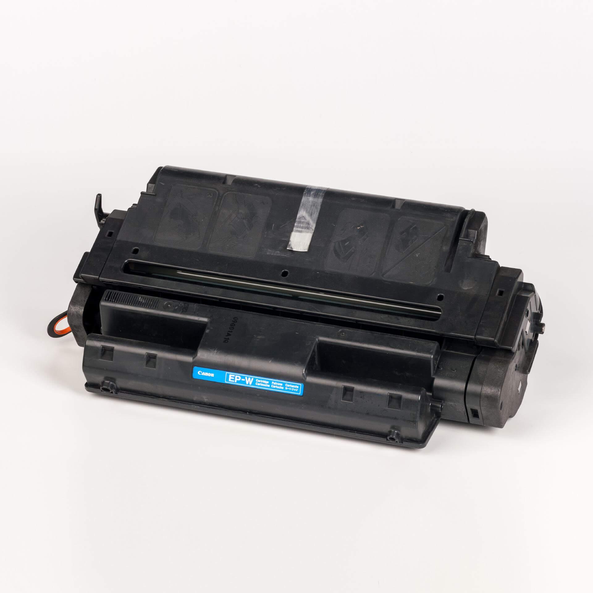 Auf dem Bild sehen Sie eine Canon 1545A003 EP-W Original Tonerkartusche schwarz
