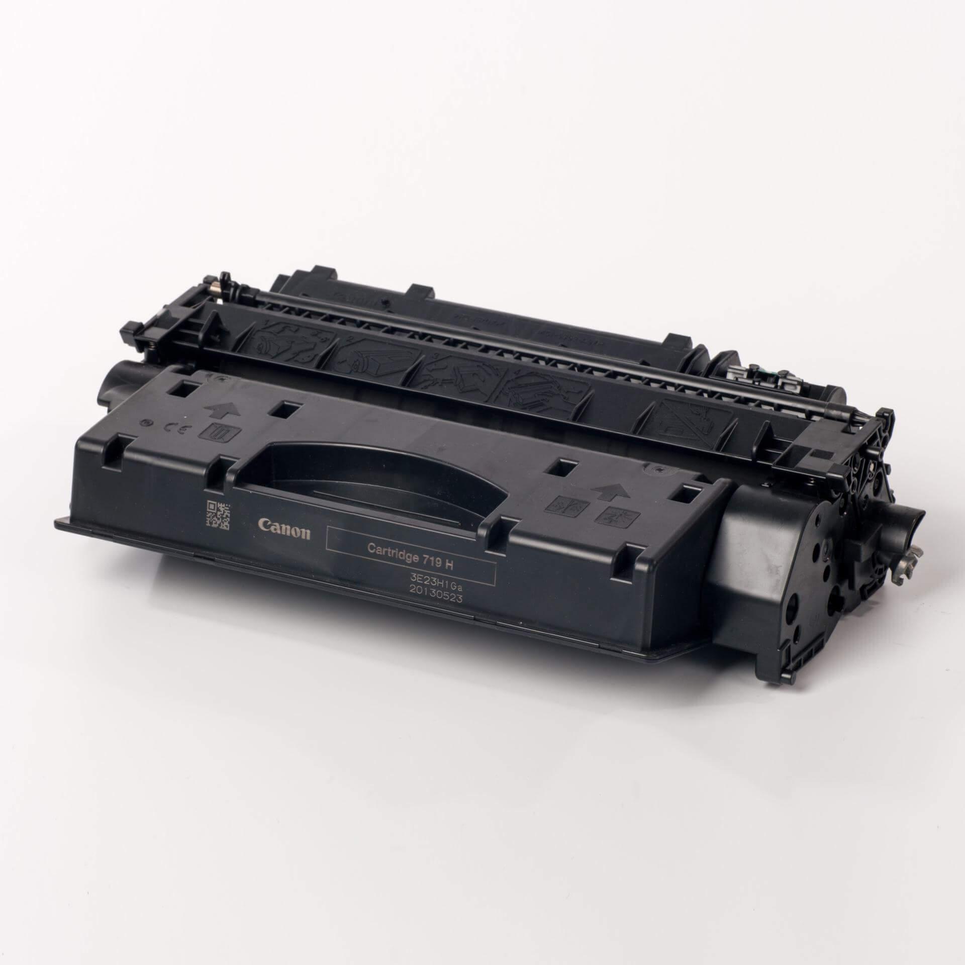 Auf dem Bild sehen Sie eine Canon 3480B002 719H Original Tonerkartusche schwarz