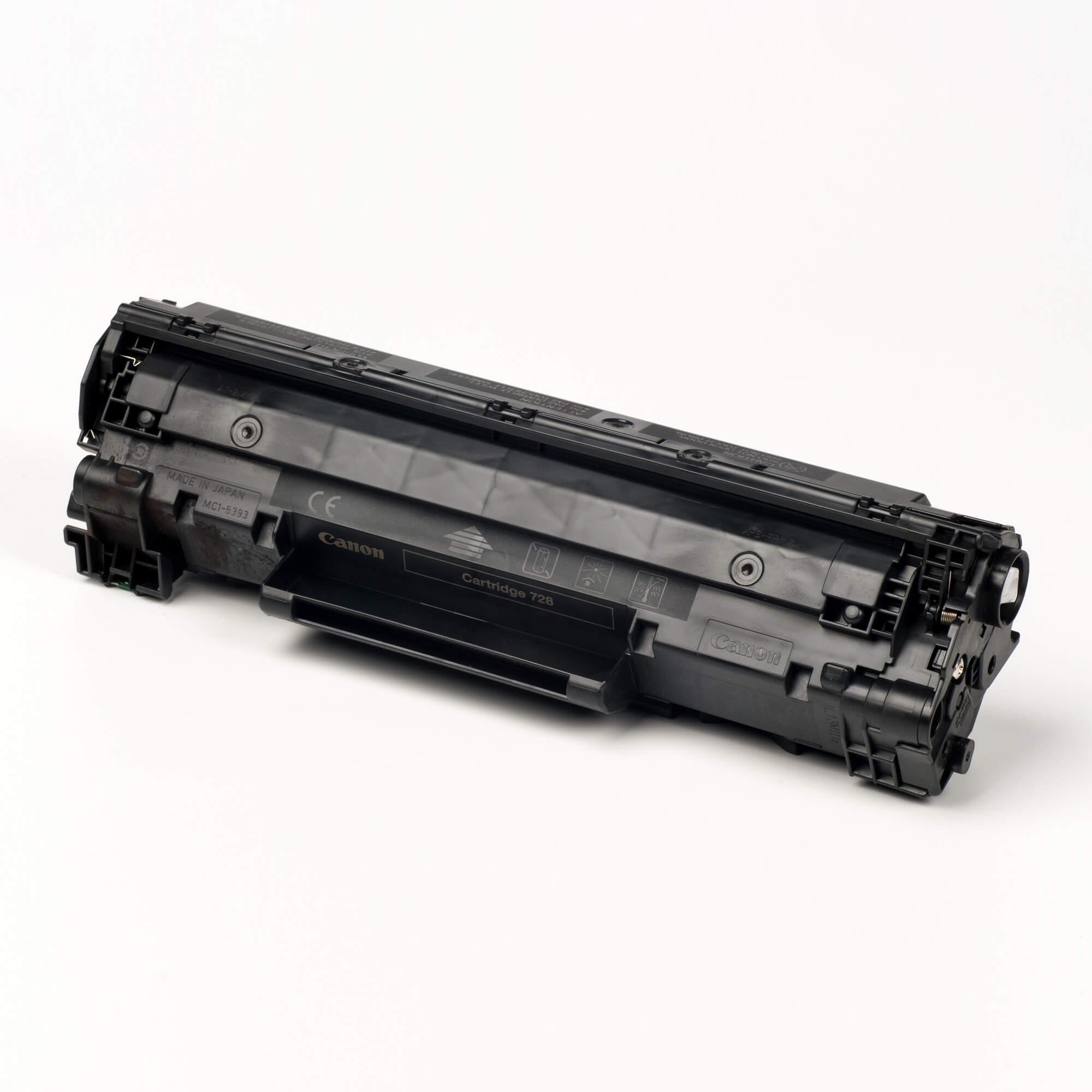 Auf dem Bild sehen Sie eine Canon 3500B002 Cartridge 728 Original Tonerkartusche schwarz
