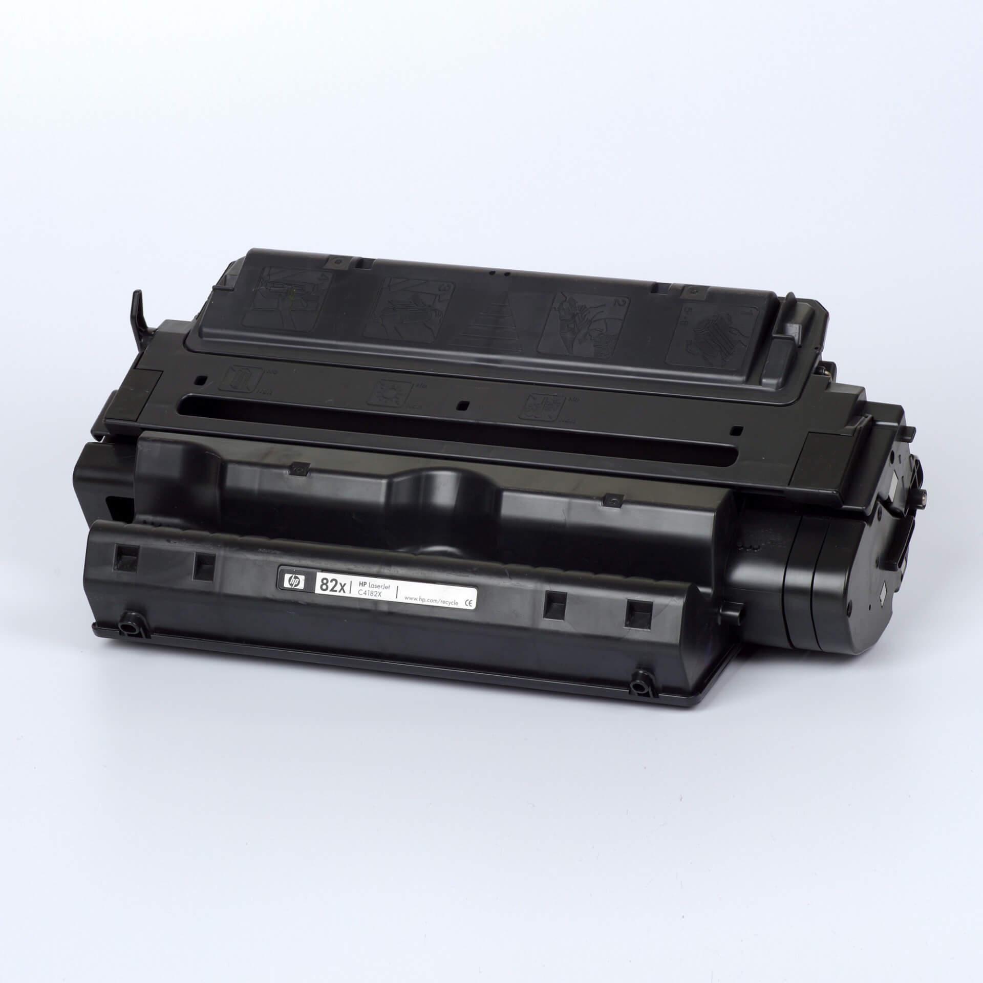 Auf dem Bild sehen Sie eine HP 82X (C4182X) Schwarz Original Tonerkartusche
