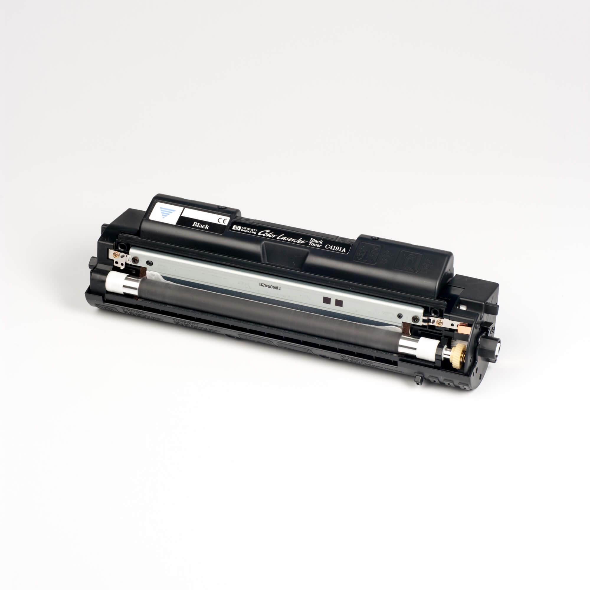 Auf dem Bild sehen Sie eine HP C4191A Schwarz Original Tonerkartusche