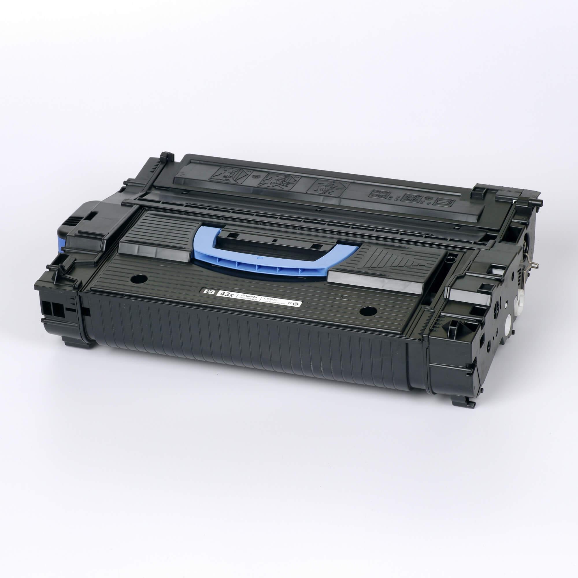 Auf dem Bild sehen Sie eine HP 43X (C8543X) Schwarz Original Tonerkartusche