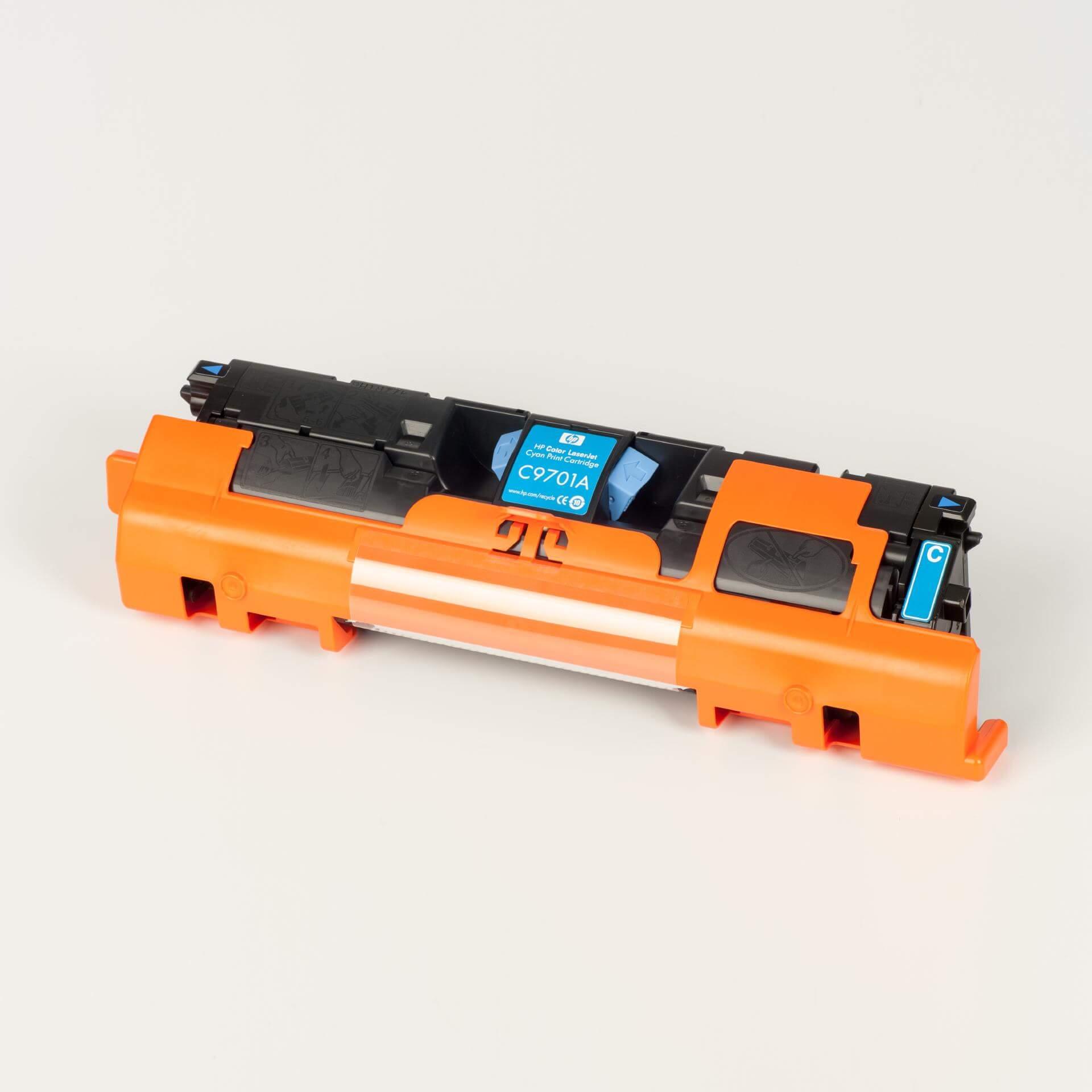 Auf dem Bild sehen Sie eine HP 121A (C9701A) Blau Original Tonerkartusche