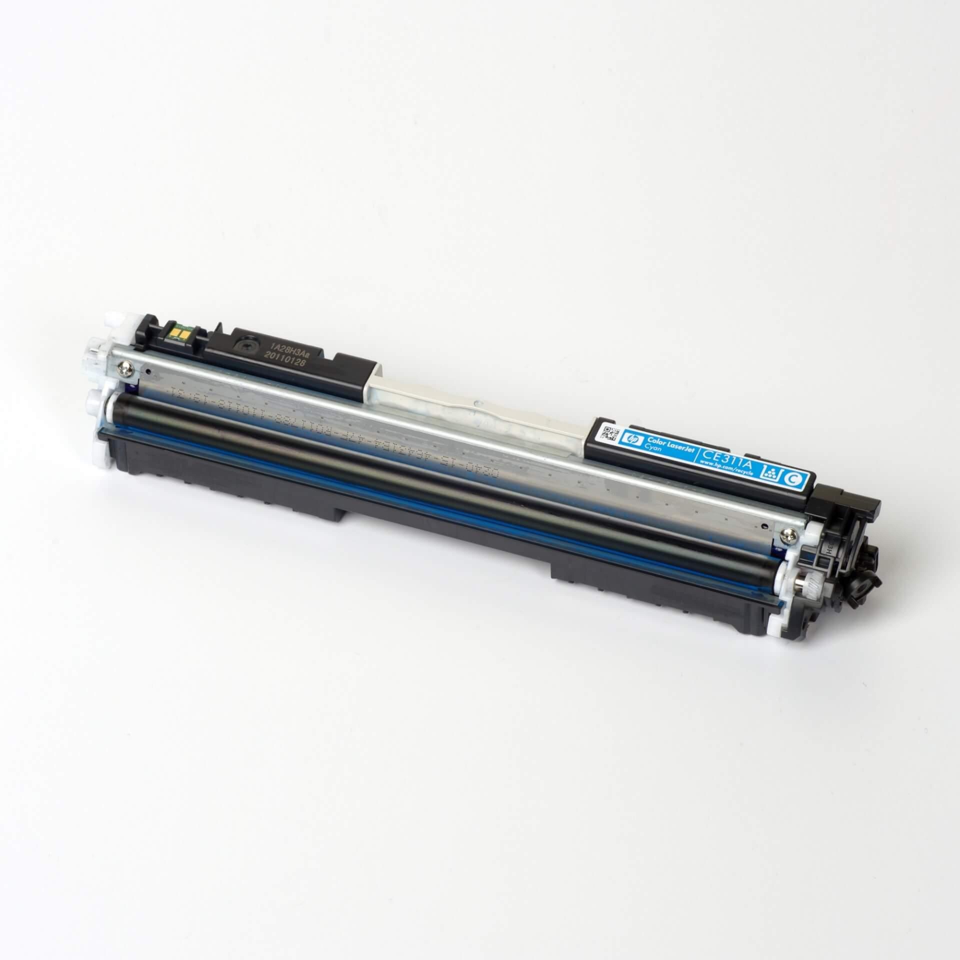Auf dem Bild sehen Sie eine HP 126A (CE311A) Blau Original Tonerkartusche