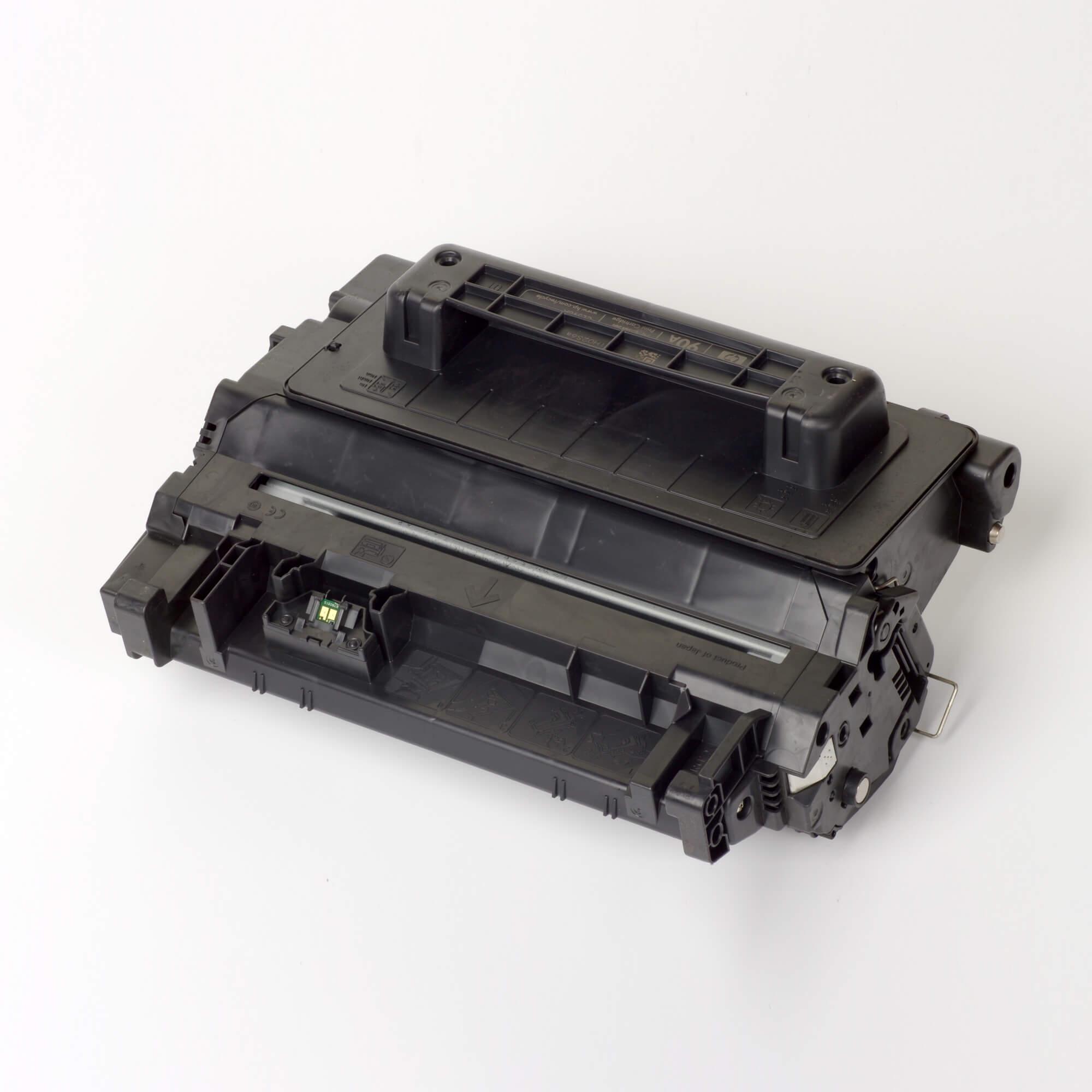 Auf dem Bild sehen Sie eine HP 90A (CE390A) Schwarz Original Tonerkartusche