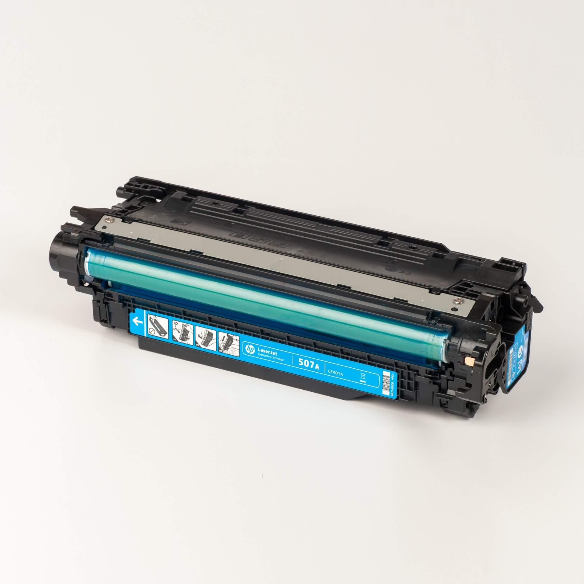 Auf dem Bild sehen Sie eine HP 507A (CE401A) Blau Original Tonerkartusche