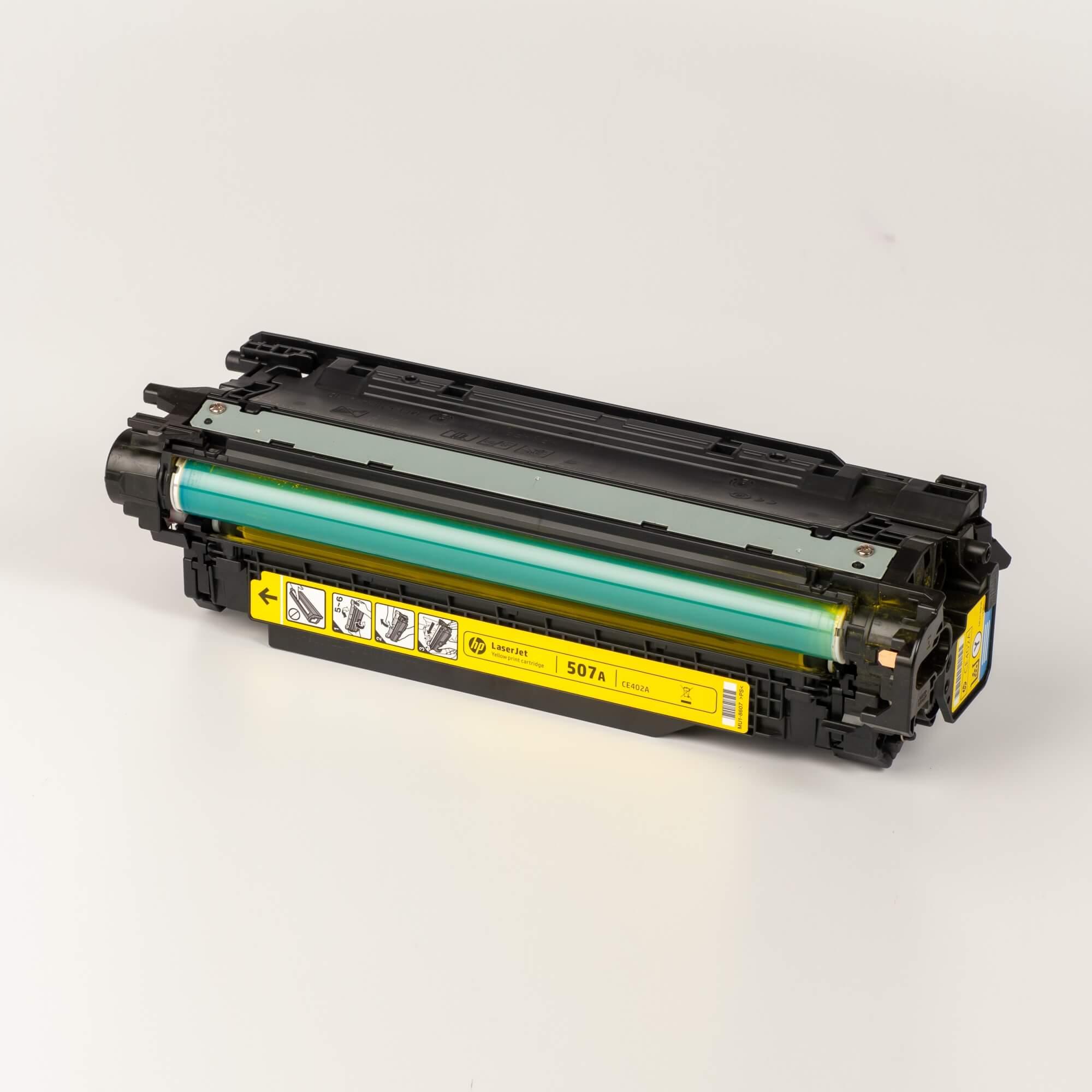 Auf dem Bild sehen Sie eine HP 507A (CE402A) Gelb Original Tonerkartusche