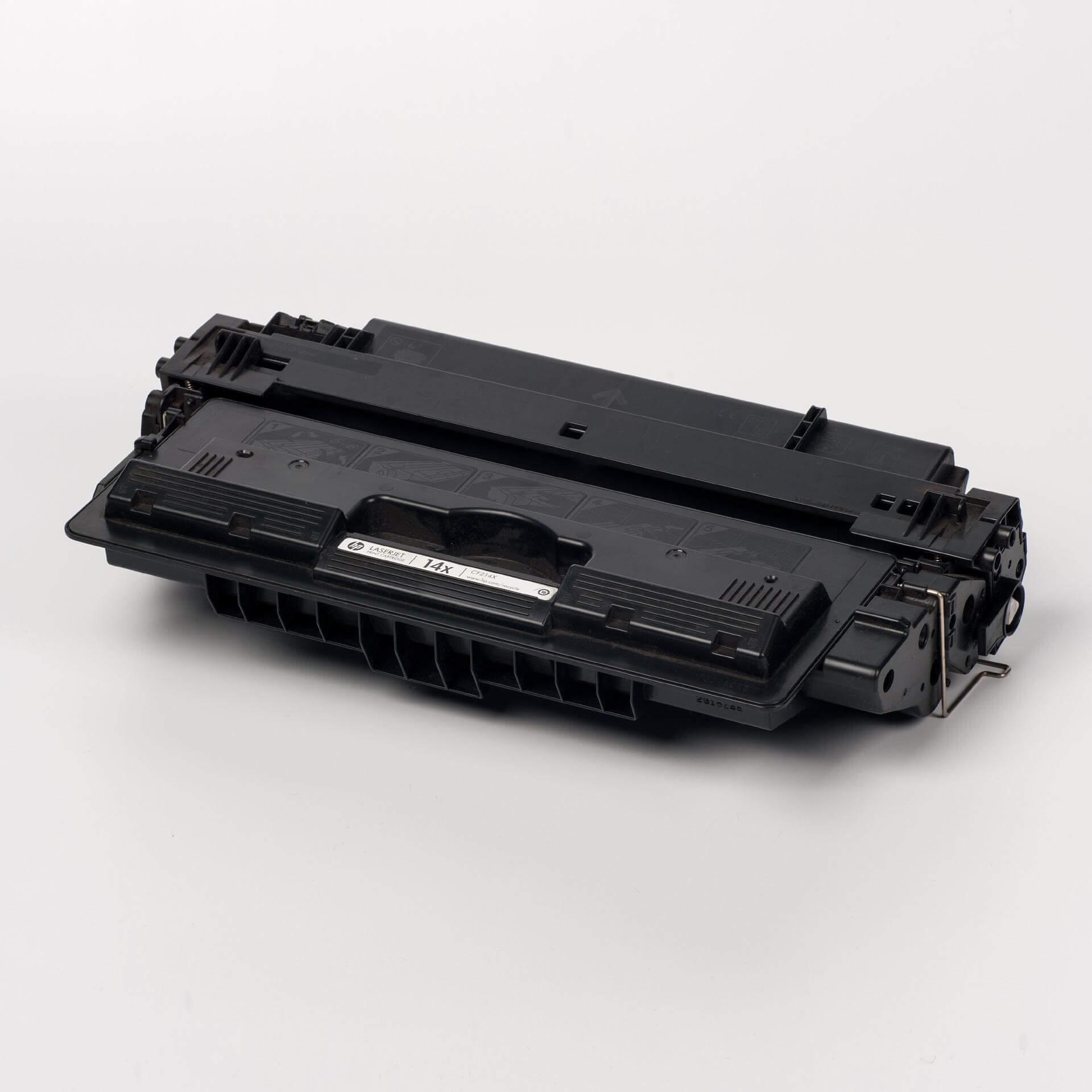 Auf dem Bild sehen Sie eine HP 14X (CF214X) Schwarz Original Tonerkartusche