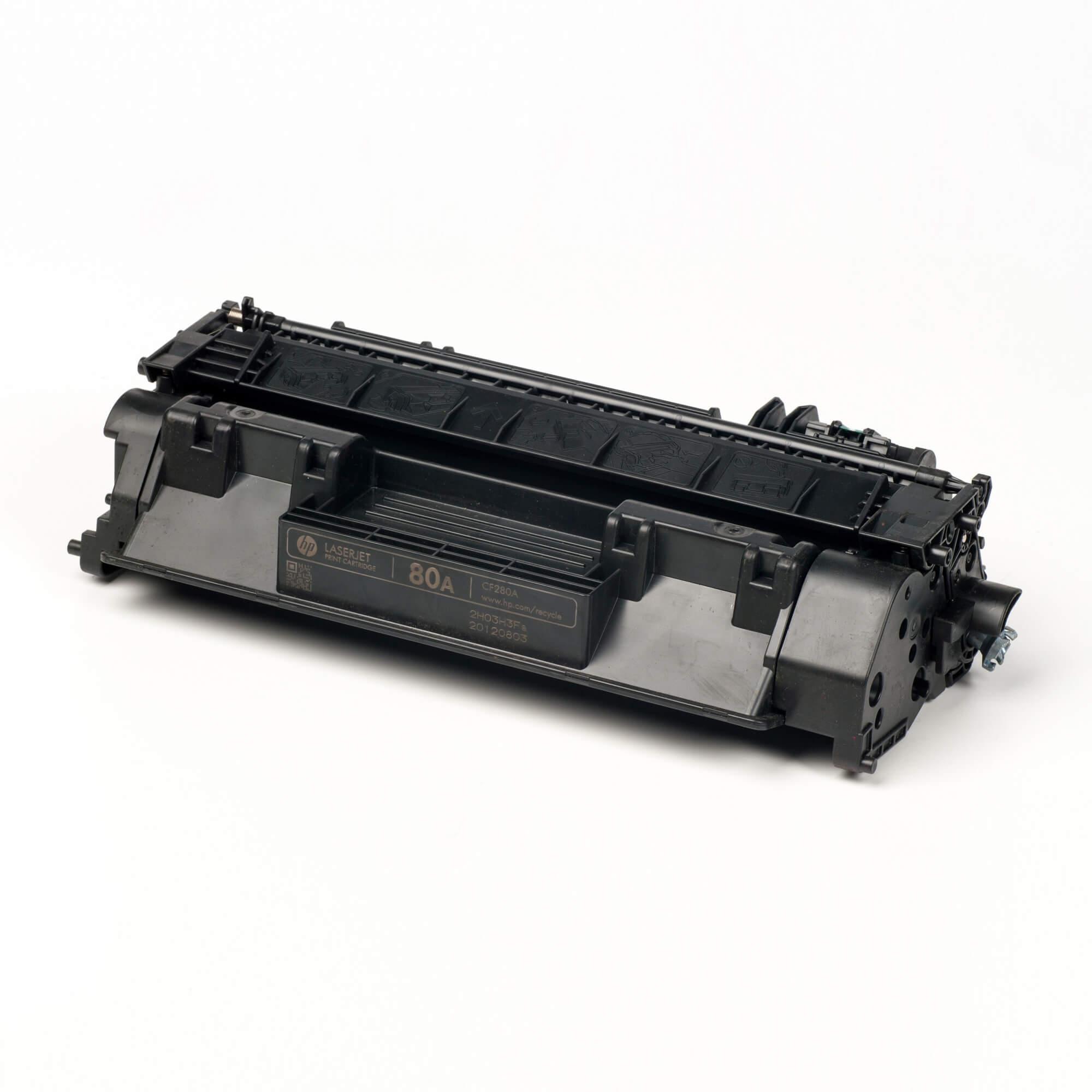 Auf dem Bild sehen Sie eine HP 80A (CF280A) Schwarz Original Tonerkartusche