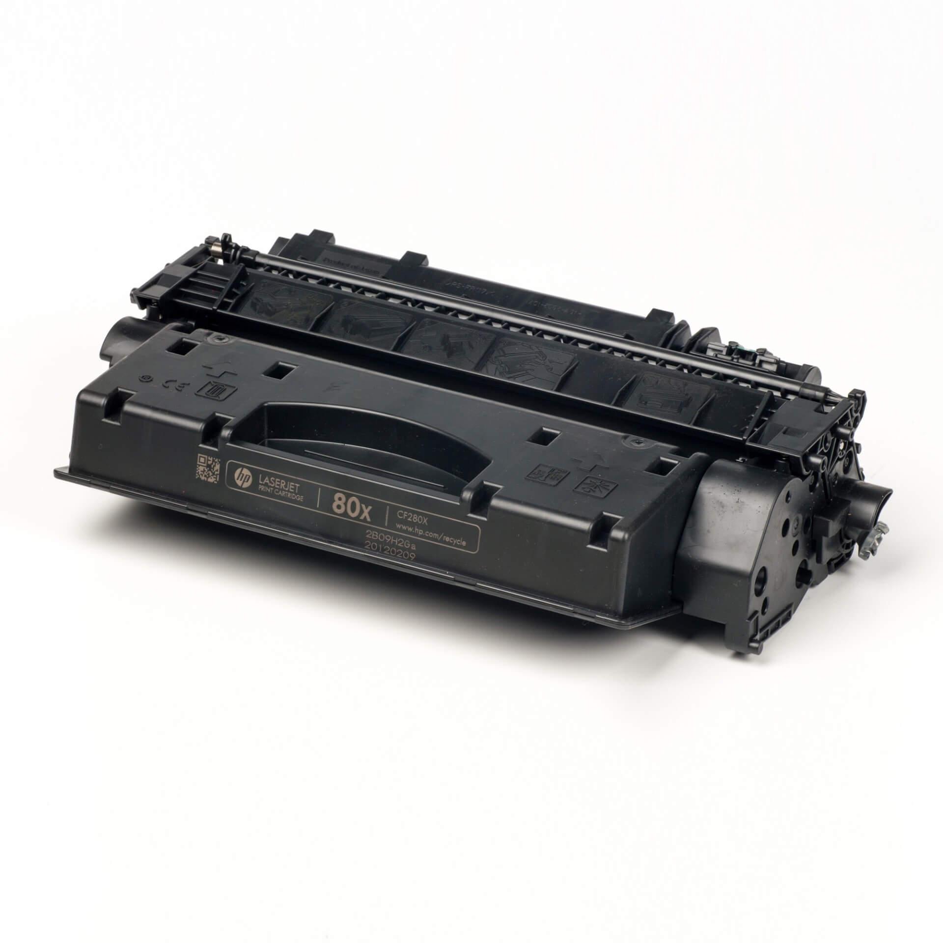 Auf dem Bild sehen Sie eine HP 80X (CF280X) Schwarz Original Tonerkartusche