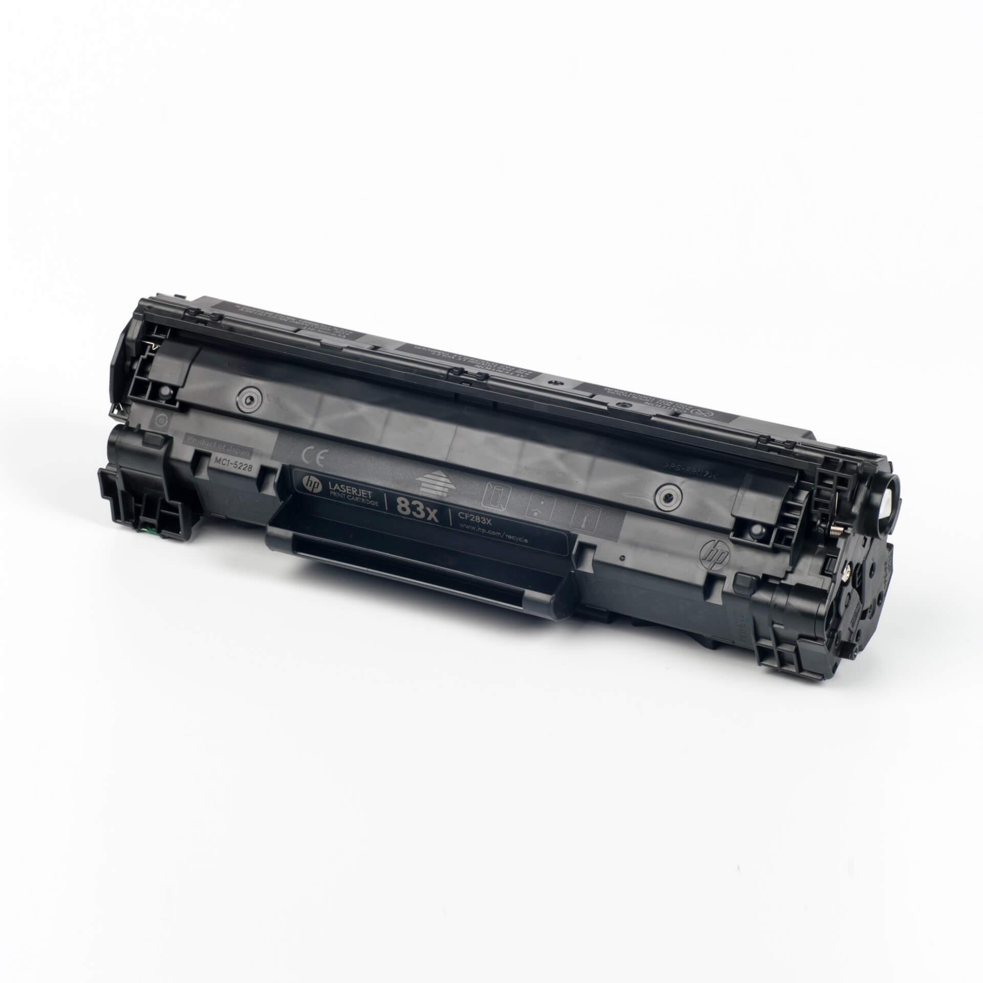 Auf dem Bild sehen Sie eine HP 83X (CF283X) Schwarz Original Toner
