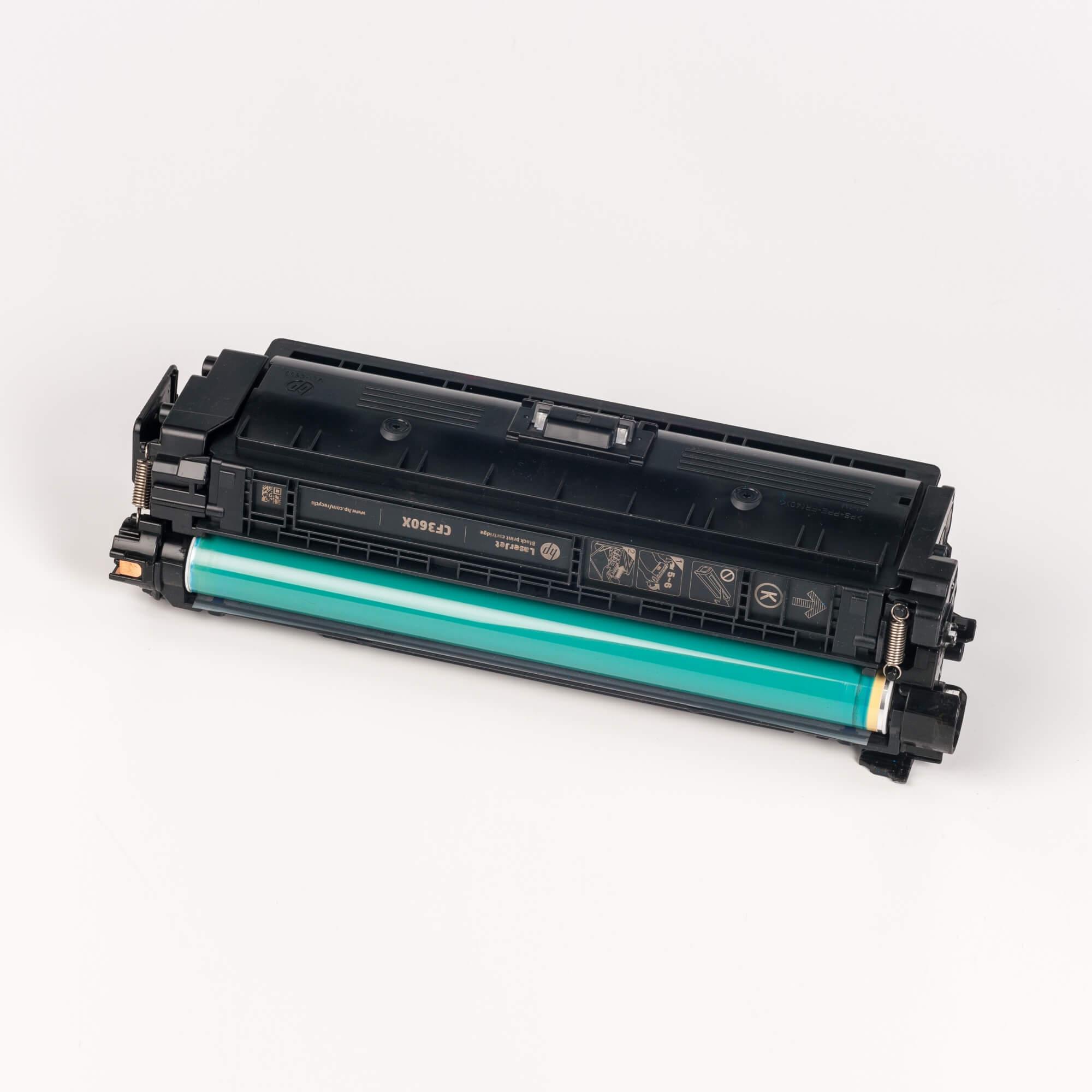 Auf dem Bild sehen Sie eine HP 508X (CF360X) Schwarz Original Toner mit hoher Reichweite
