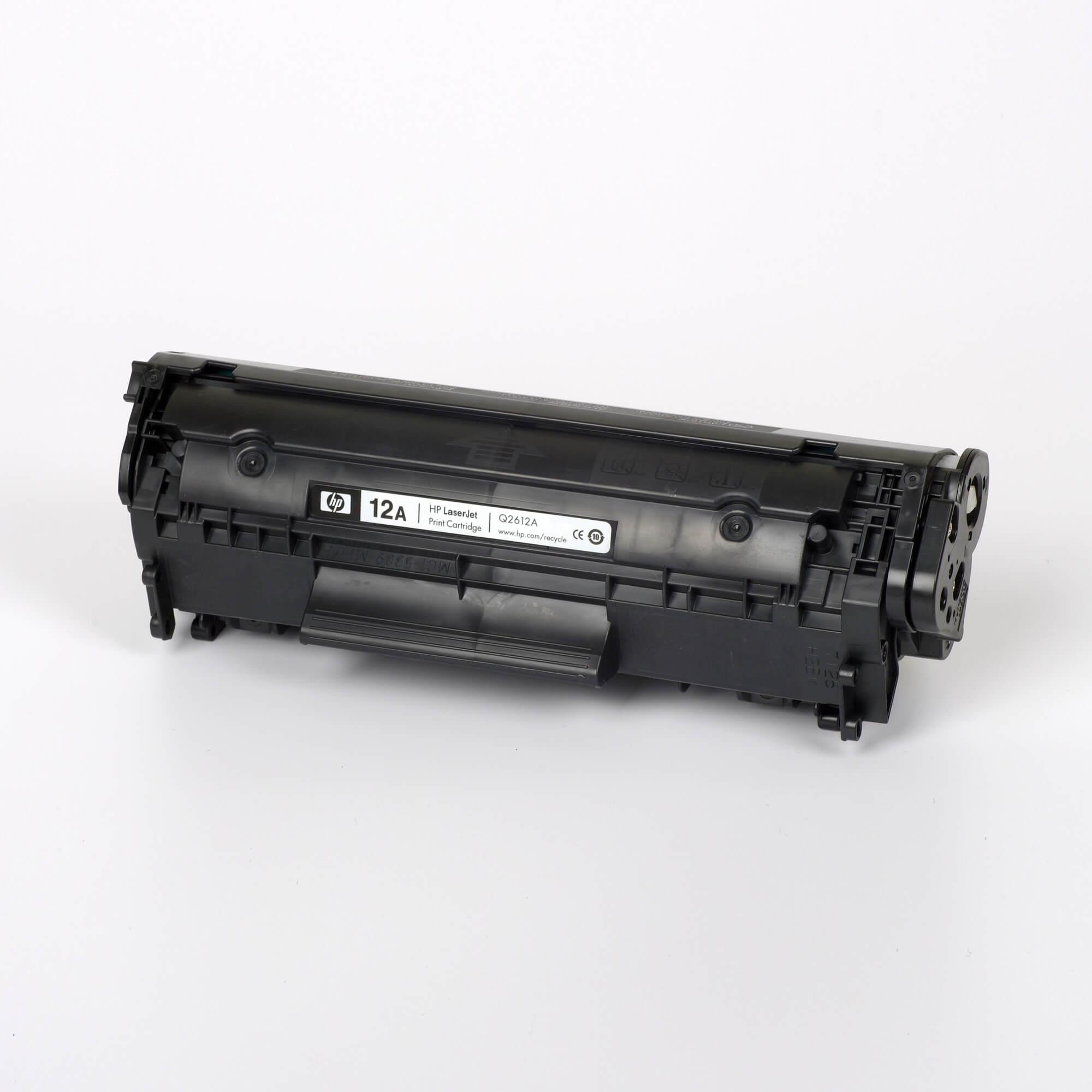 Auf dem Bild sehen Sie eine HP 12A (Q2612A) Schwarz Original Toner