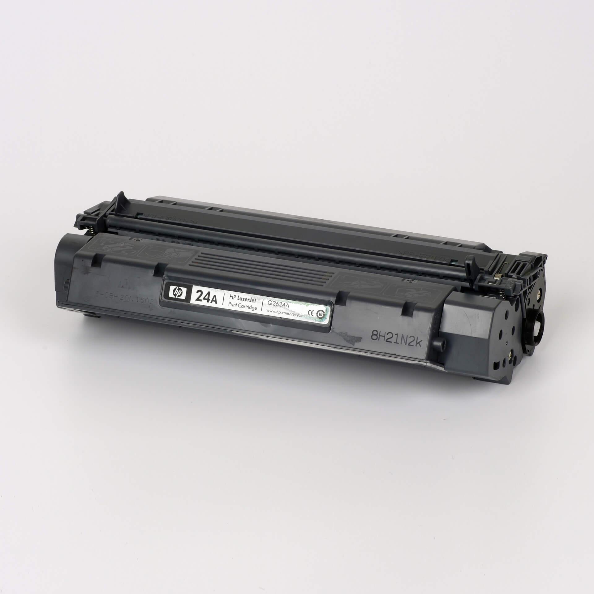 Auf dem Bild sehen Sie eine HP 24A (Q2624A) Schwarz Original Toner