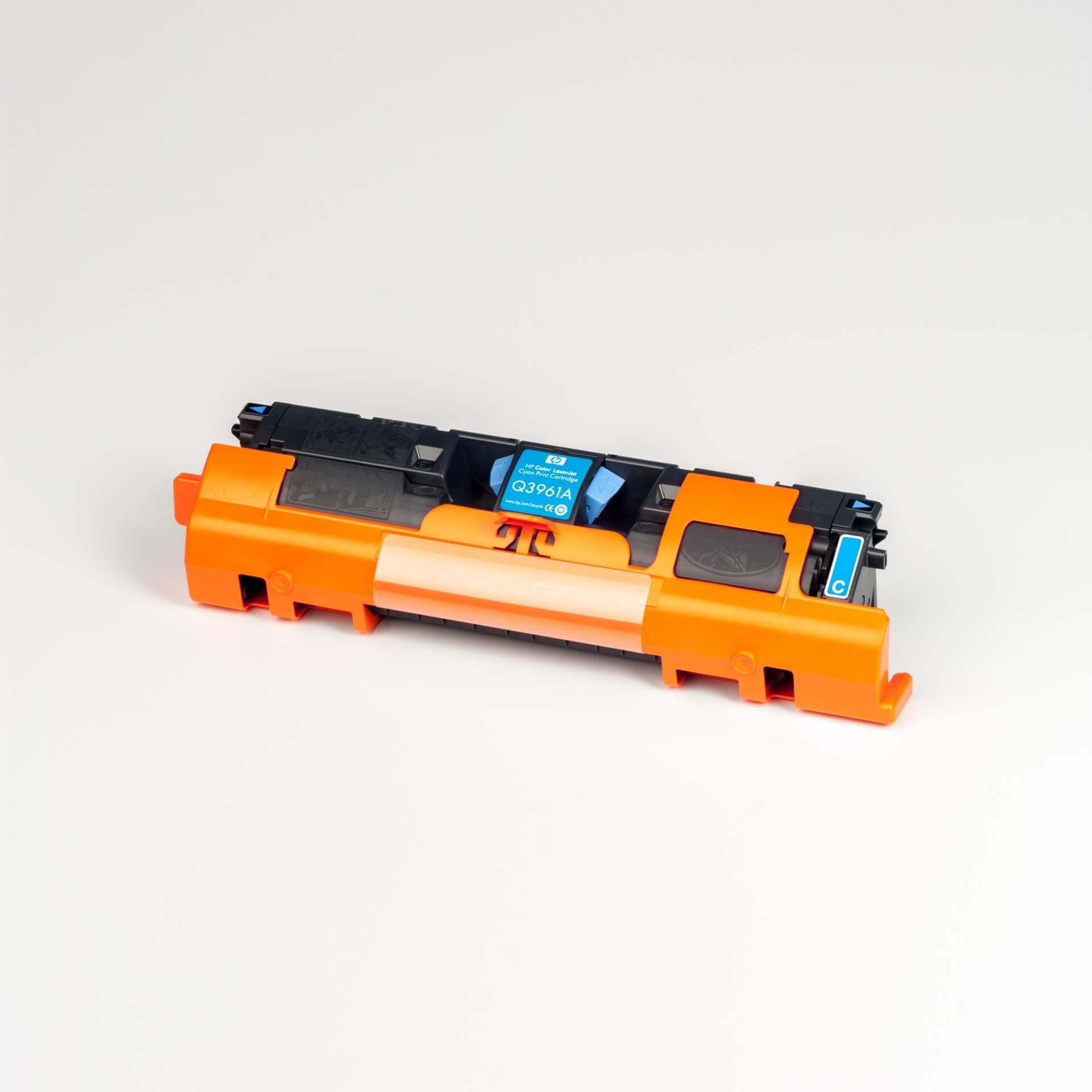 Auf dem Bild sehen Sie eine HP 122A (Q3961A) Blau Original Tonerkartusche