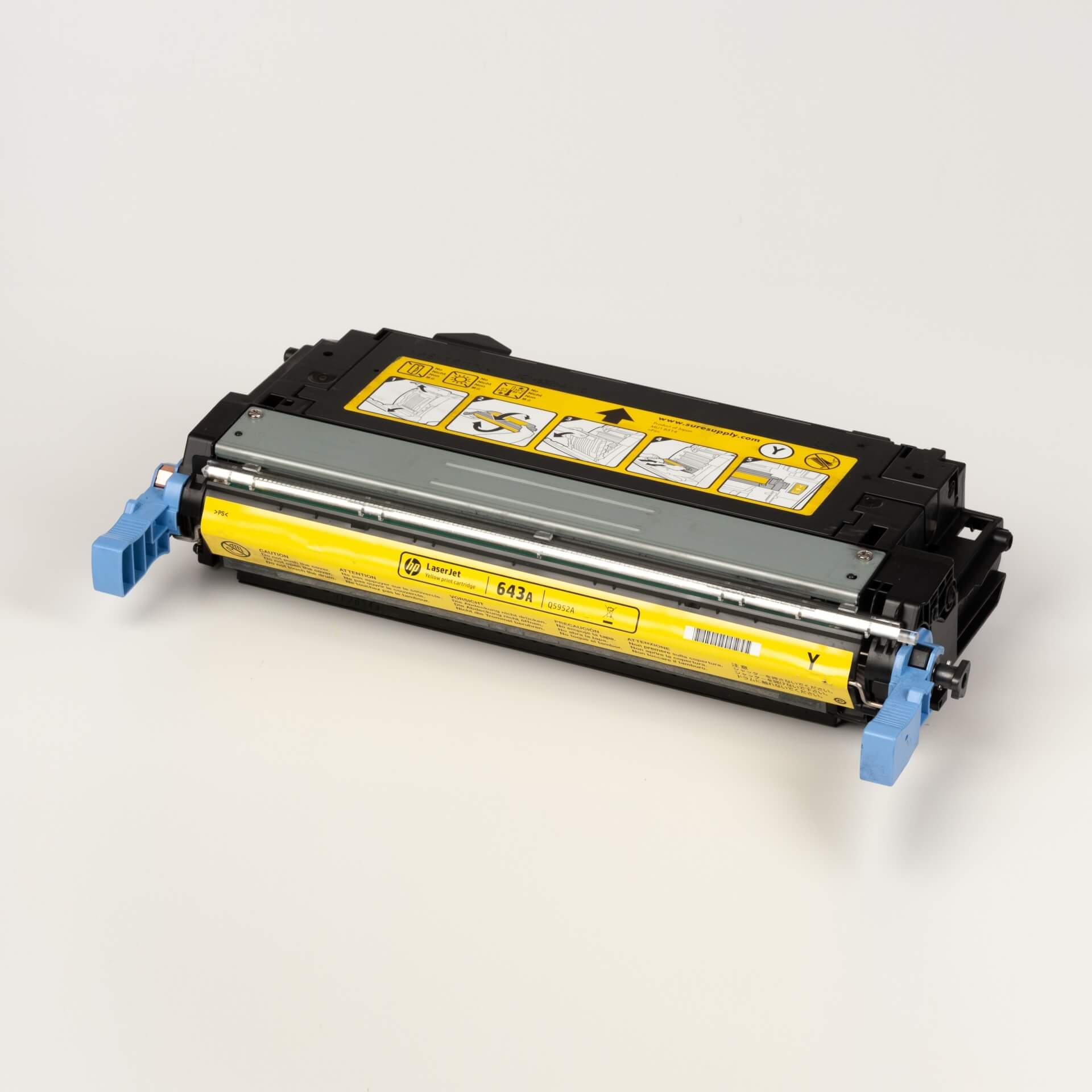 Auf dem Bild sehen Sie eine HP 643A (Q5952A) Gelb Original Tonerkartusche