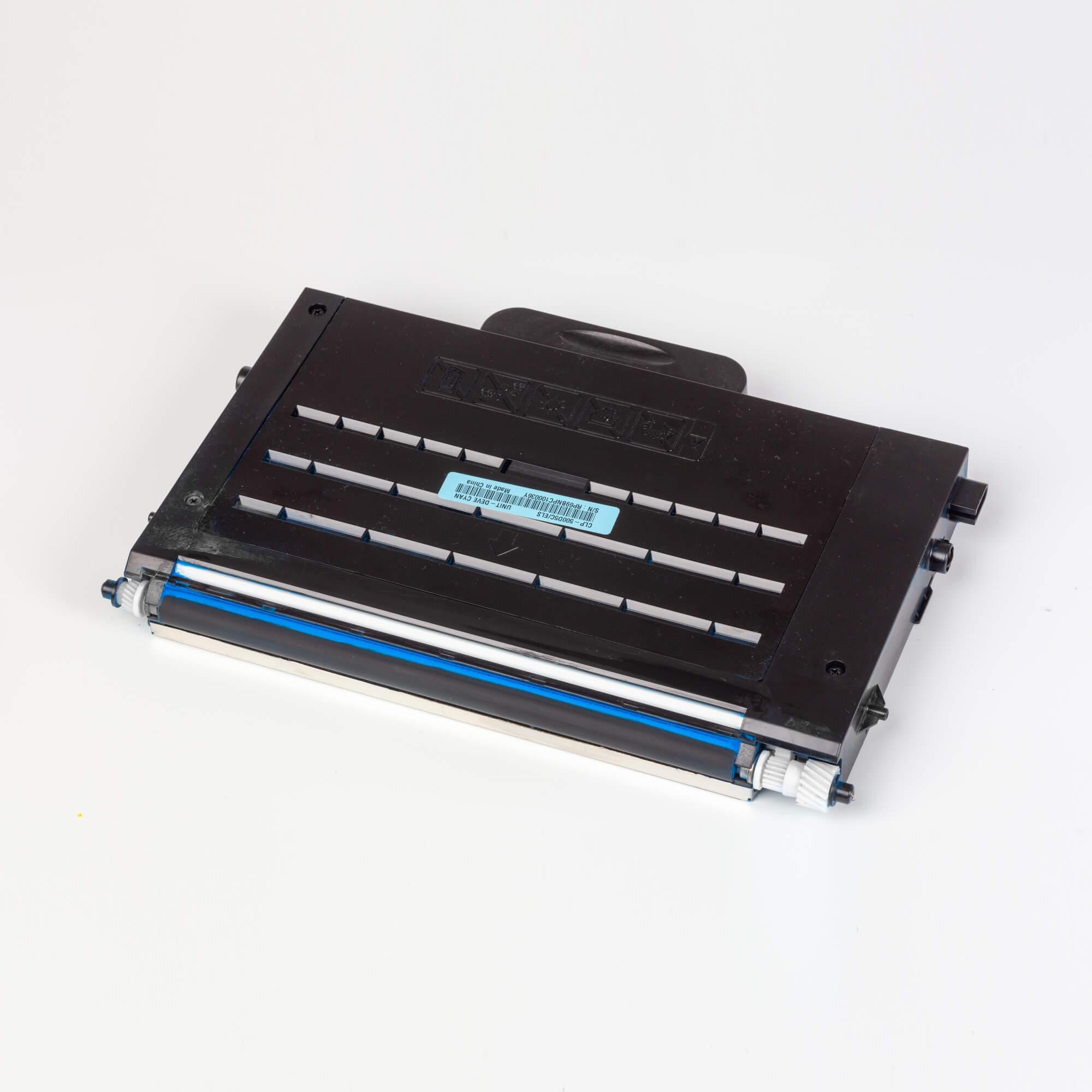 Auf dem Bild sehen Sie eine Samsung CLP-500D5C/ELS Original Toner Blau