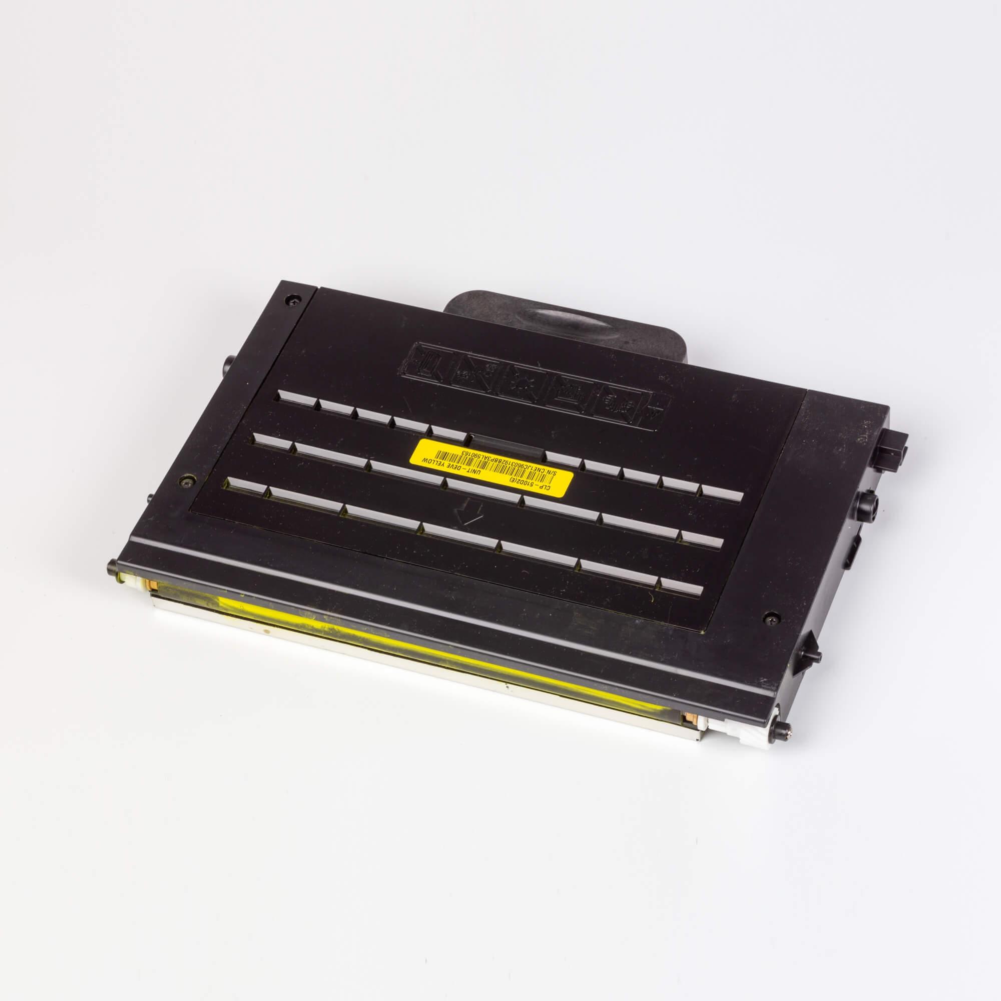 Auf dem Bild sehen Sie eine Samsung CLP-510D2Y/ELS Original Toner Gelb