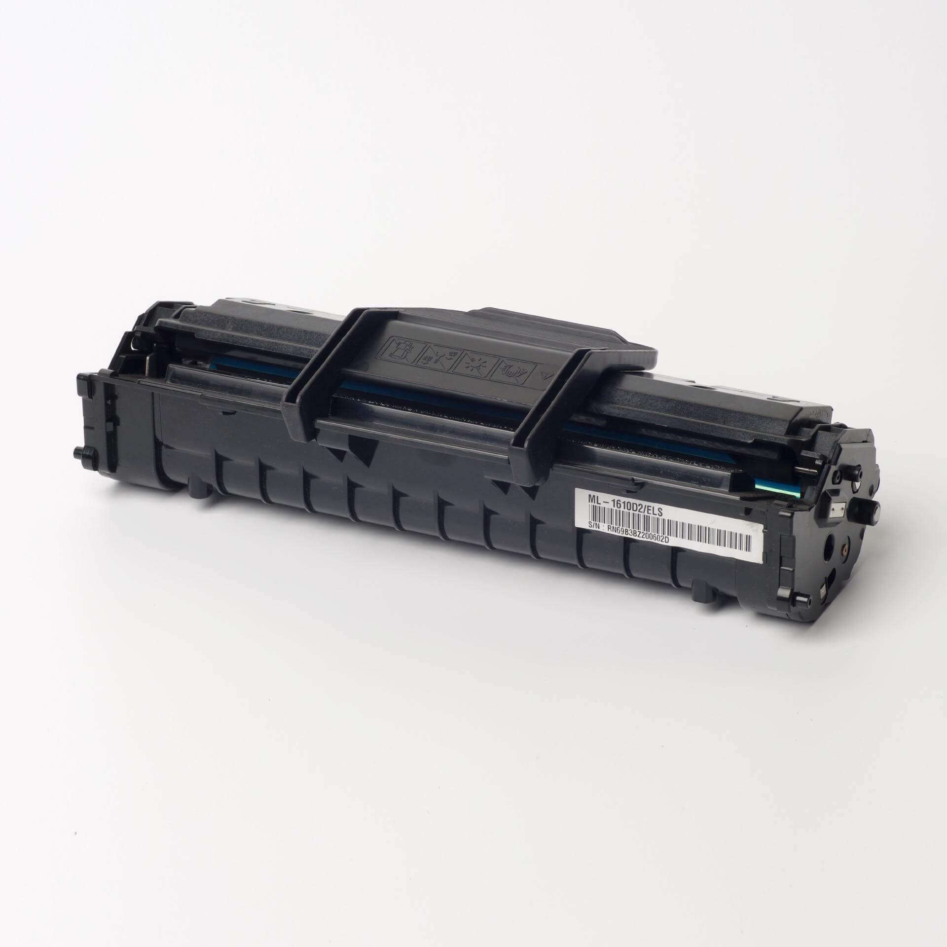 Auf dem Bild sehen Sie eine Samsung ML-1610D2/ELS Original Toner Schwarz