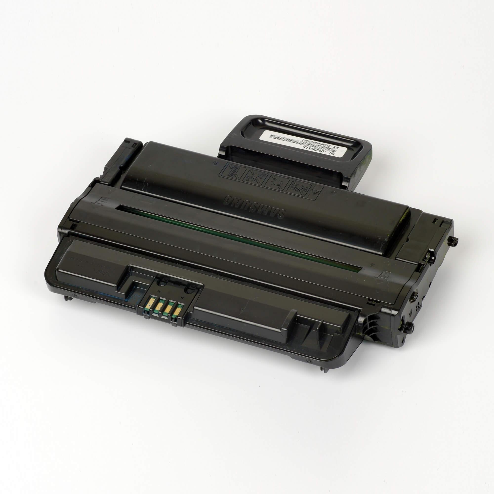 Auf dem Bild sehen Sie eine Samsung ML-D2850A/ELS Original Toner schwarz