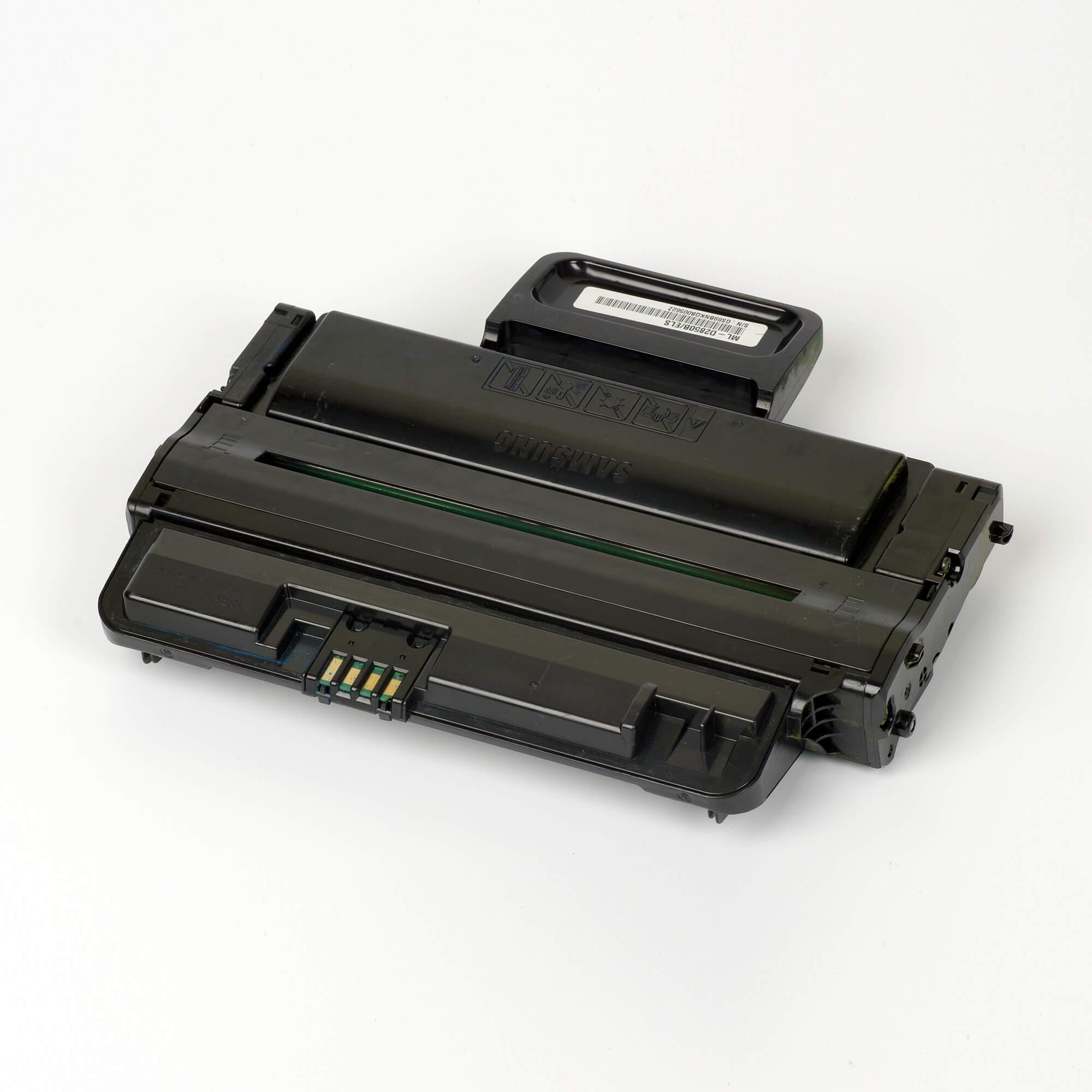 Auf dem Bild sehen Sie eine Samsung ML-D2850B/ELS Original Toner schwarz
