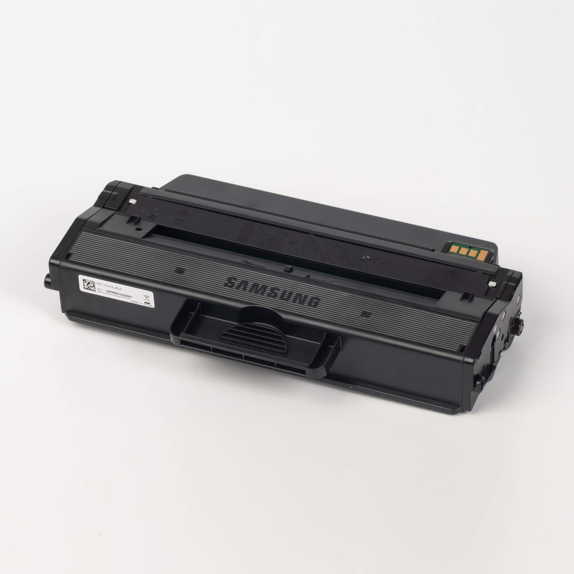 Auf dem Bild sehen Sie eine Samsung MLT-D103L/ELS Original Toner Schwarz