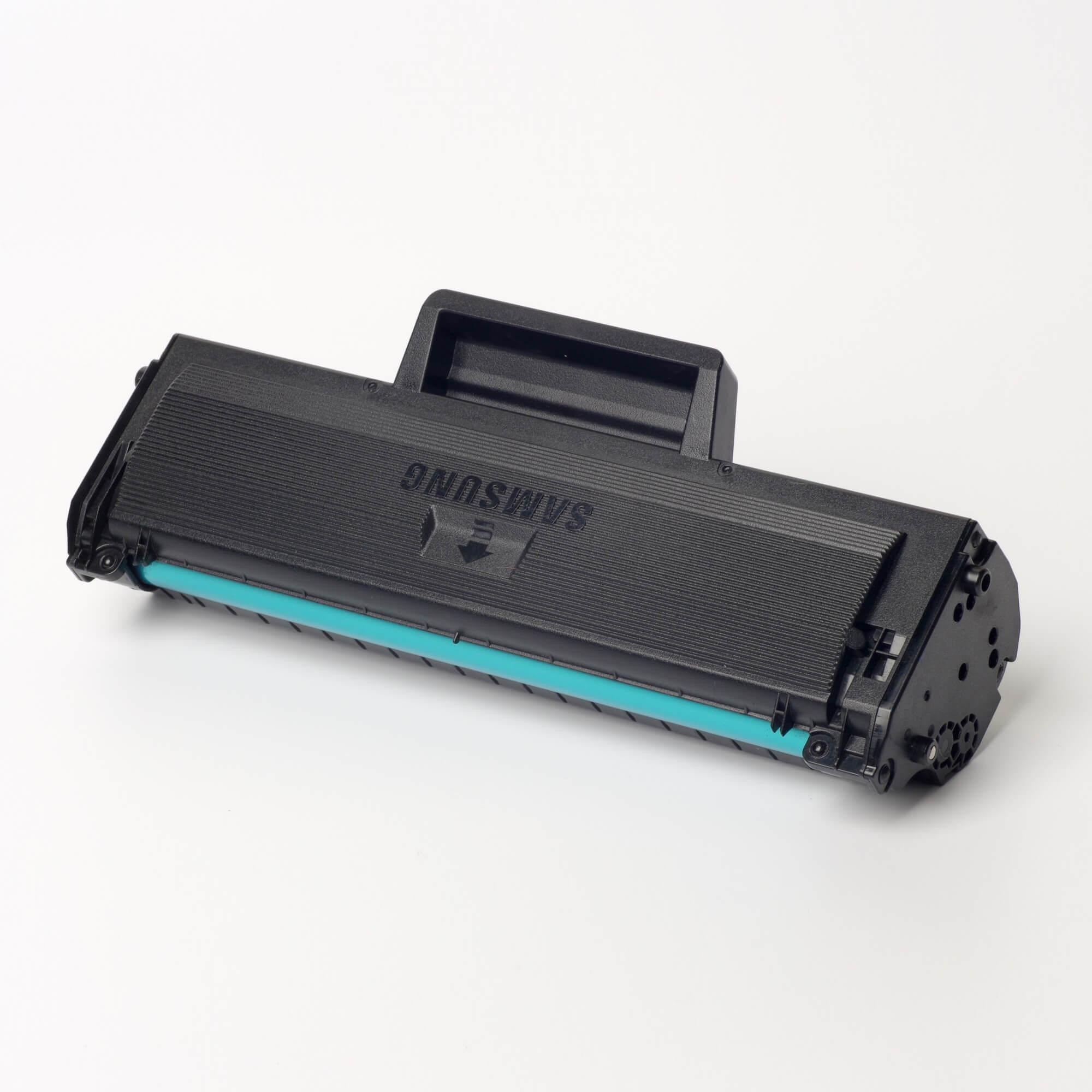 Auf dem Bild sehen Sie eine Samsung MLT-D1042S/ELS Original Toner Schwarz