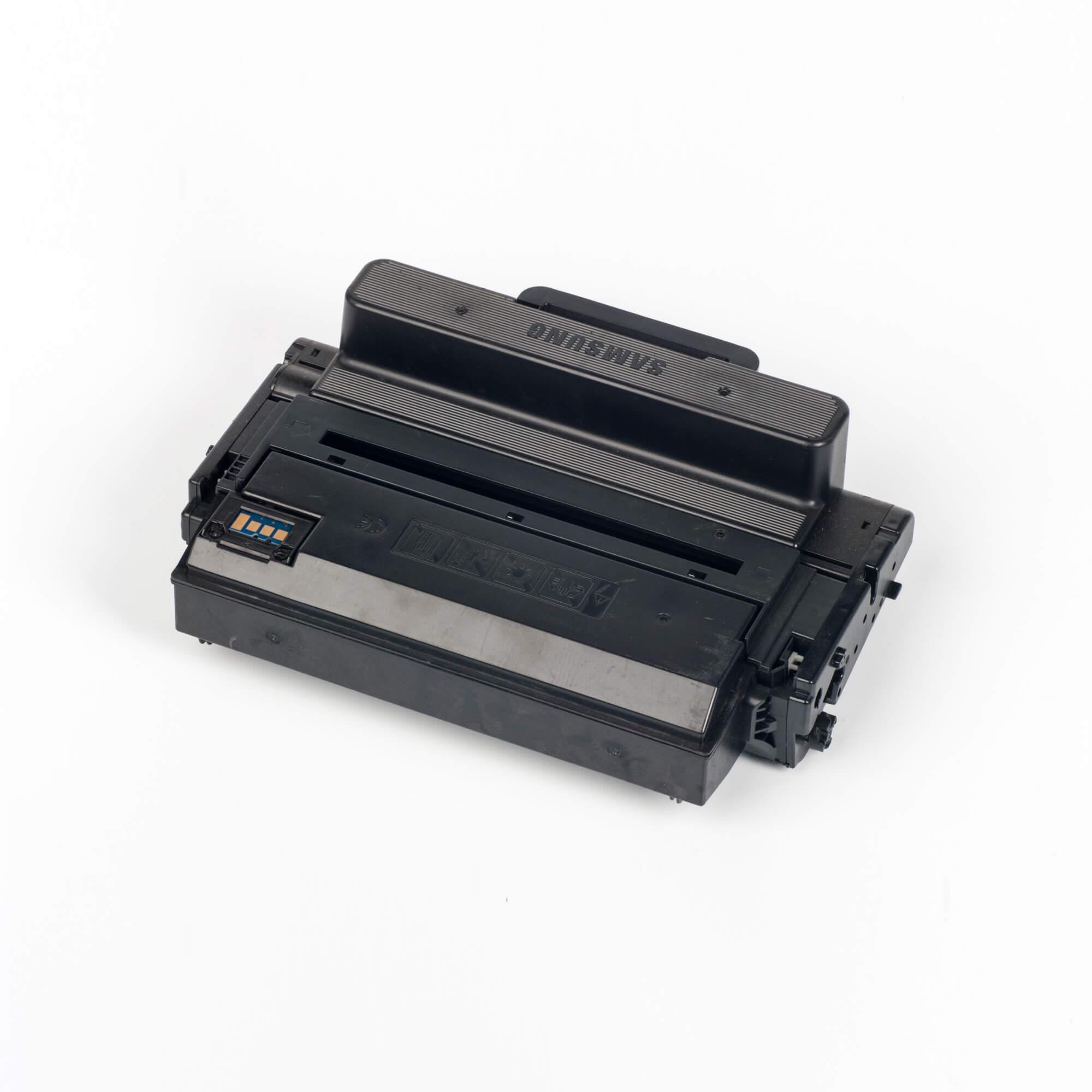 Auf dem Bild sehen Sie eine Samsung MLT-D203E/ELS Original Toner Schwarz