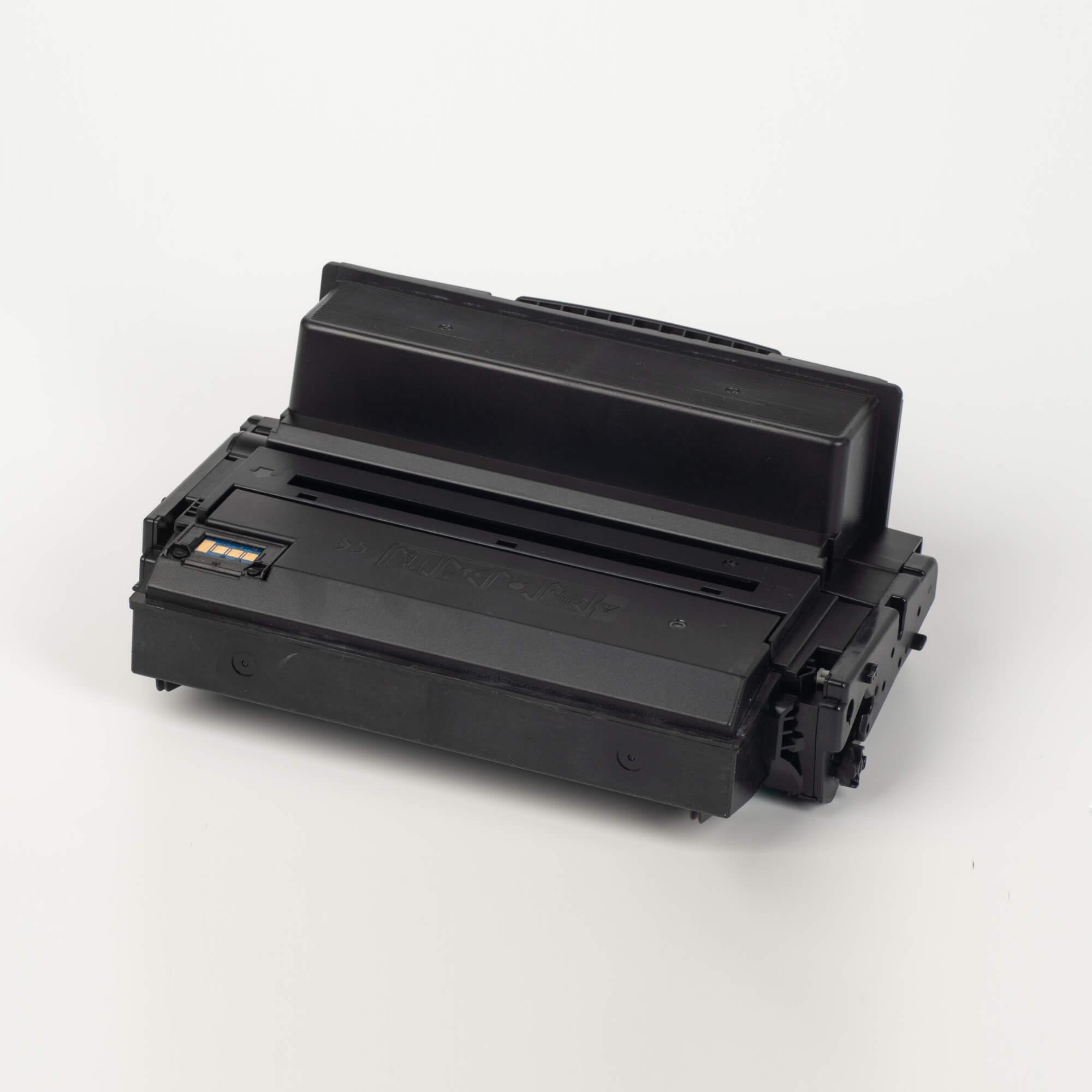 Auf dem Bild sehen Sie eine Samsung MLT-D203U/ELS Original Toner Schwarz
