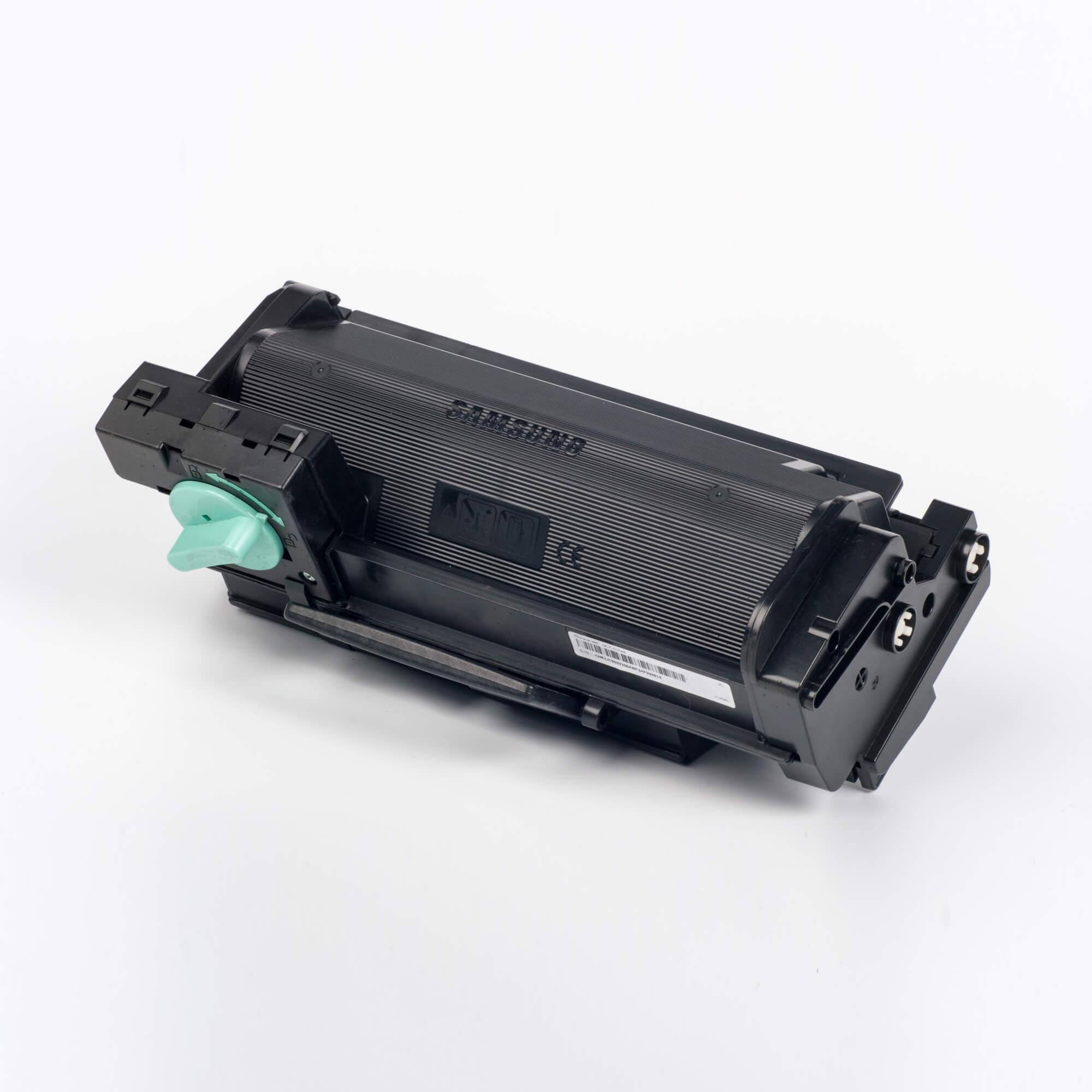 Auf dem Bild sehen Sie eine Samsung MLT-D304E/ELS Original Toner Schwarz